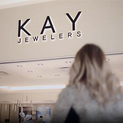 "Signet Jewelers deploys Tableau and Alteryx to transform its data community and support its ""path to brilliance"" 的圖片"